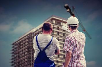 budowla, pracownicy budowy (zdjęcie ilustracyjne)