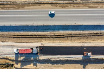 budowa drogi, maszyny, asfalt