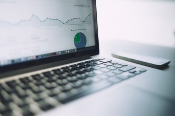 wykres, komputer, dane